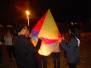 Lighting the baloon